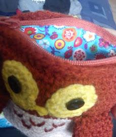 http://translate.googleusercontent.com/translate_c?depth=1&hl=es&rurl=translate.google.es&sl=en&tl=es&u=http://maggie-makes-stuff.blogspot.com.es/2011/07/owl-coin-purse-patern.html&usg=ALkJrhjbXA7HfBgSQVNqBGFT01gogRQnfw