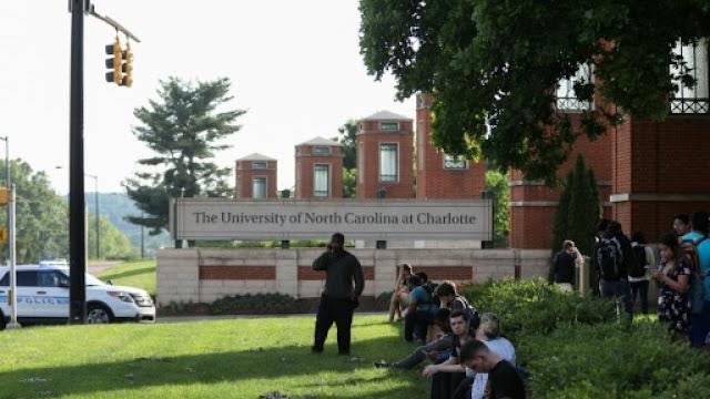 منحة مقدمة من جامعة كارولينا الشمالية لدراسة البكالوريوس في أمريكا
