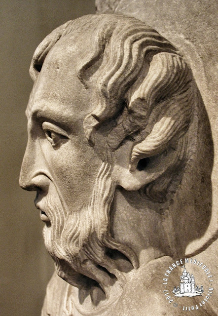 AUTUN (71) - Musée Rolin : Trumeau de Saint-Pierre (XIIe siècle)