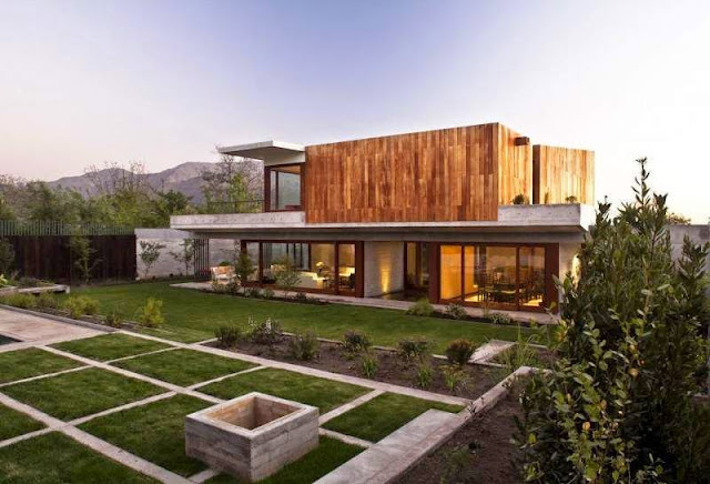 Contemporary Wooden House in Chile - La Dehesa