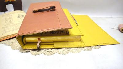 Органайзер с накидным ремешком на магнитной кнопке: внутри записная книжка и съемный блок