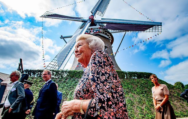 Princess Beatrix attended the opening of the windmill De Vlijt, also known as the Meule van Wassens