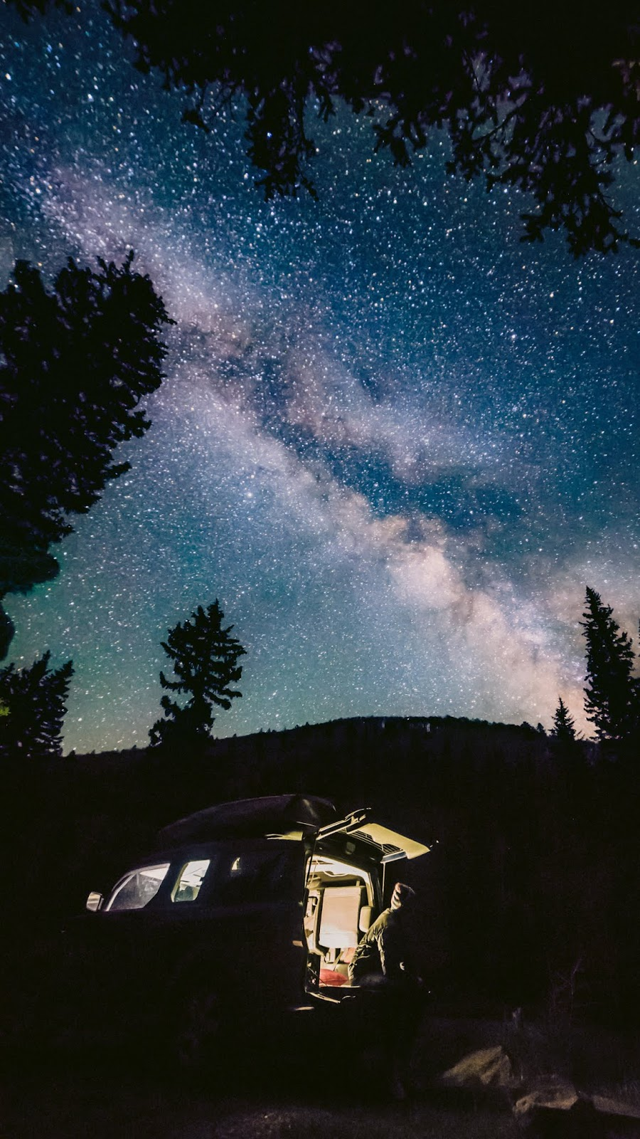 Camping in the starry night