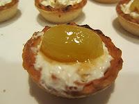 Menu de Año Nuevo 2011.Tartaletas de pasta brisa de queso, uvas y nueces