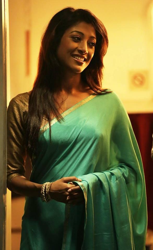 Hot Indian Actress Saree Photos