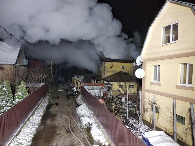 На Обухівщині ліквідували пожежу в двоповерховому будинку
