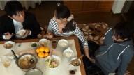 คุณแม่สาวเงี่ยนเสี้ยนหี เนียนแอบตำควยลูกชายตอนนั่งกินข้าวกับสามี