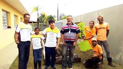 Estudantes da Escola João de Barro-Apae da Ilha têm Horta Educativa Sensorial