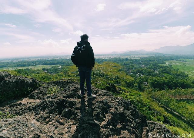 Pemandangan dari puncak Gunung Sepikul