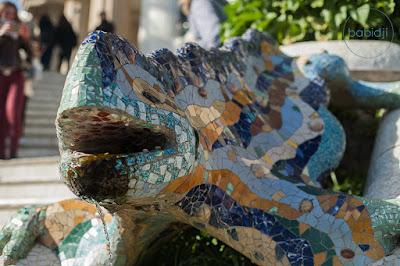 Lézard en mosaïque du Parc Guell Gaudi à Barcelone