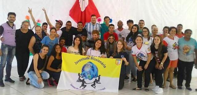 Encontro reúne líderes da Juventude Missionária do Paraná