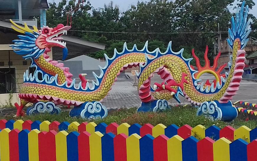 Patung Naga Di Ogan Hall Baturaja