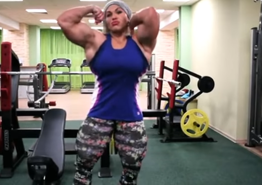 Video Women's bodybuilding Strength Training, training his muscle