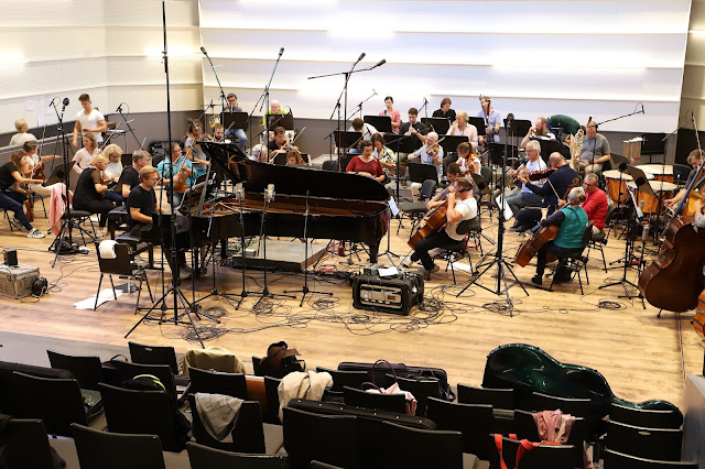 Arash Safaian: This is (not) Beethoven - recording session with Sebastian Knauer and the Zürcher Kammerorchester.