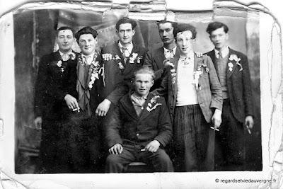 ancienne  photo de famille, noir et blanc