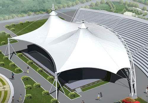 Tenda dengan atap kain ukuran besar