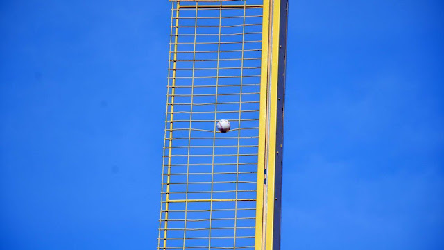 david ortiz home run foul pole