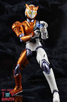 S.H. Figuarts Kamen Rider Valkyrie Rushing Cheetah 31S.H. Figuarts Kamen Rider Valkyrie Rushing Cheetah 31