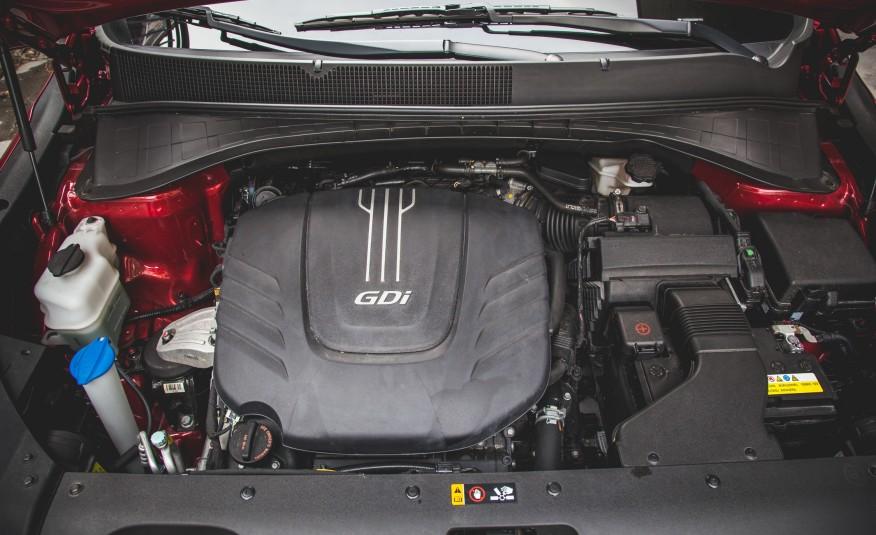 Khối động cơ của Kia Sorento 2016 hoạt động hiệu quả, tiết kiệm nhiên liệu