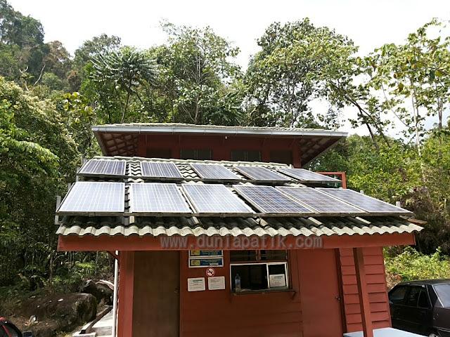 Panel solar sebagai pembekal tenaga elektrik
