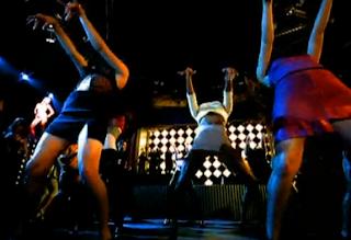 videos-musicales-de-los-90-ricky-martin-living-la-vida-loca