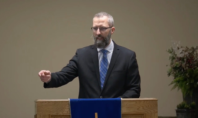 Pastor que foi preso por fazer cultos no Canadá ministrou companheiros de cela