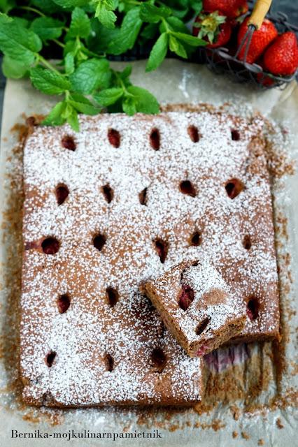 ciasto, truskawki, deser, owoce, czekolada, bernika, kulinarny pamietnik