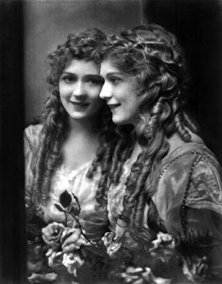 The First 2017, Sinopsis drama tentang Mary Pickford