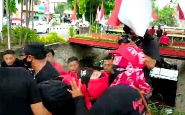 Whisnu Sakti Tak Dapat Rekomendasi PDIP, Pendukung Mengamuk sampai Pingsan