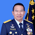 """Naik Pangkat, Marsekal Muda TNI I Nyoman Trisantosa S.I.P, M.Tr (Han) Dianugerahi """"Kujang"""" Dari Sesepuh Kesundaan"""