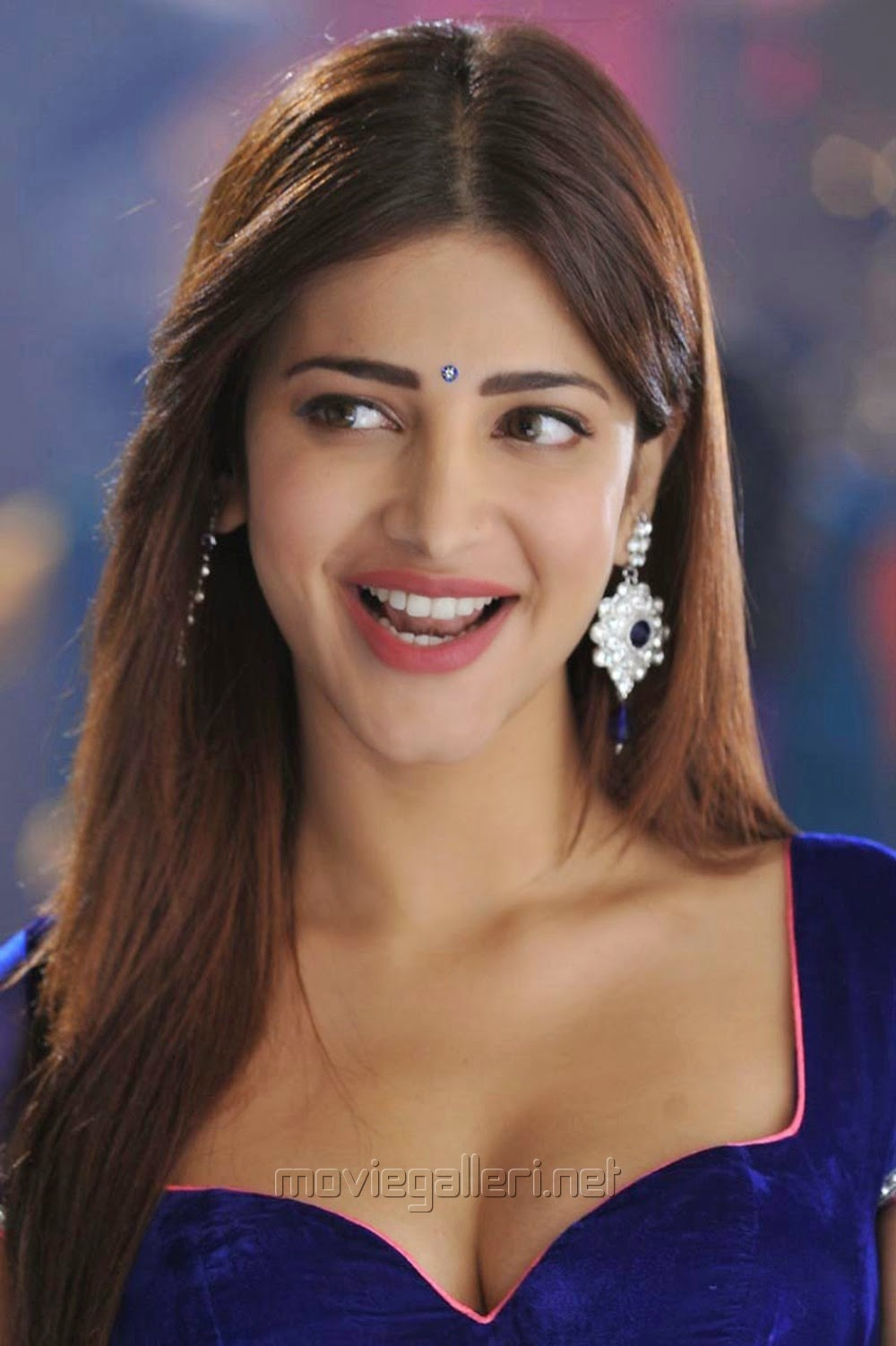 Shruti Hassan 2014 Latest New Hot Images Pics wallpapers Pink Ghagra & Blue Blouse from Yevadu Movie