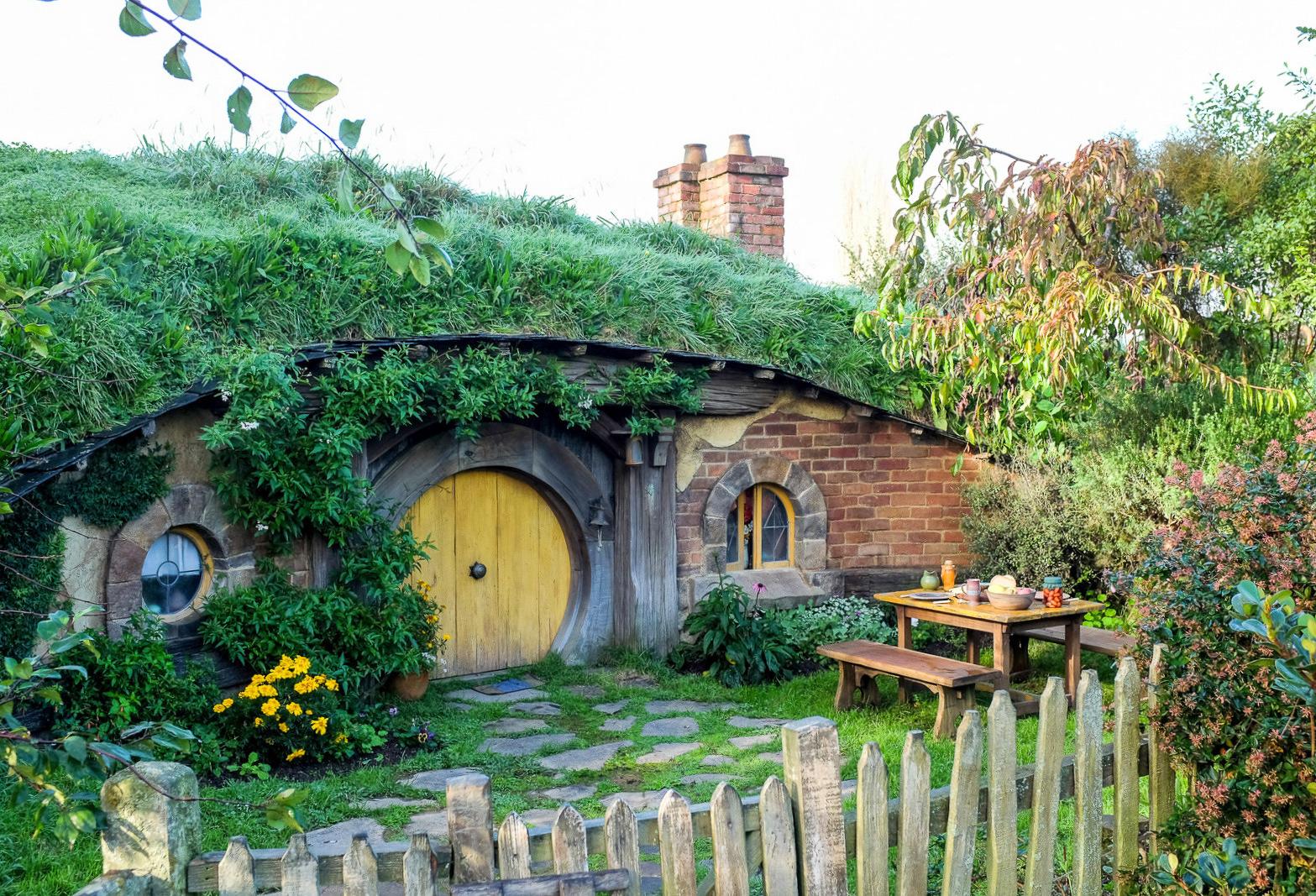 Eat Drink KL: The Green Dragon Inn @ Hobbiton