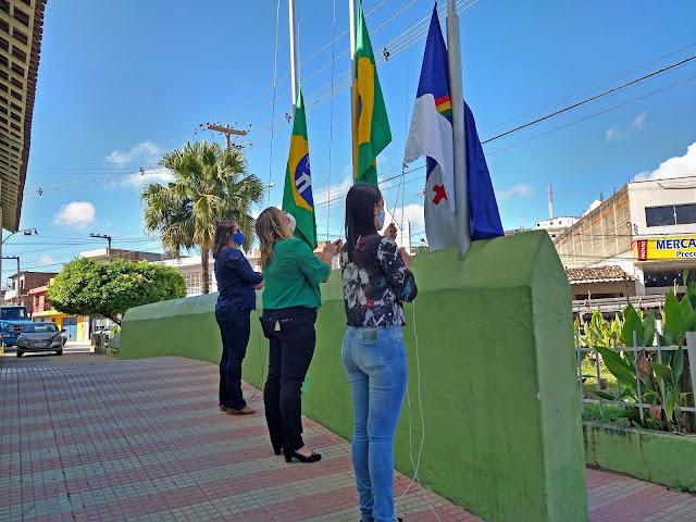 7 de Setembro: Em Bom Jardim - PE é realizado o hasteamento das bandeiras