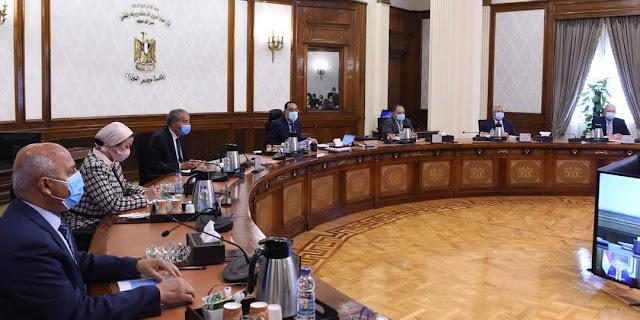 رئيس الوزراء يتابع جهود تبسيط إجراءات الإفراج الجمركي عن البضائع بالموانئ