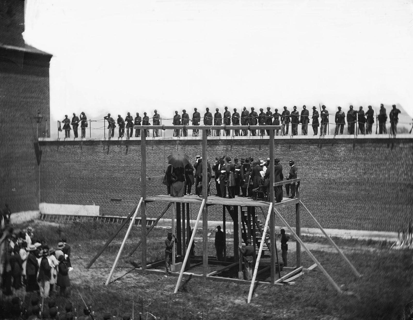 Los condenados conspiradores de Lincoln en el andamio, 1865.
