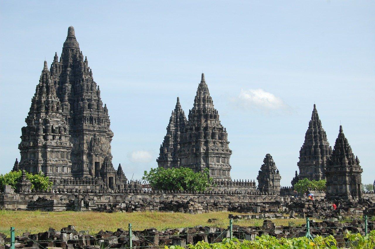 Bandung Bondowoso dan Roro Jongrang Candi Prambanan