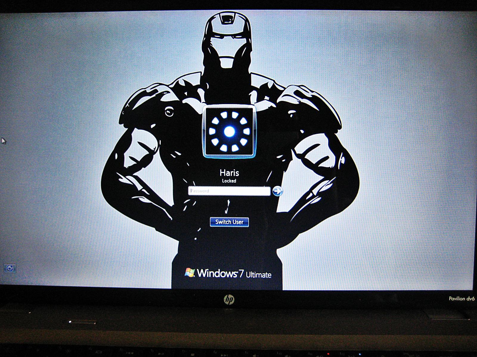 change and customize windows 7s logon screen using regedit