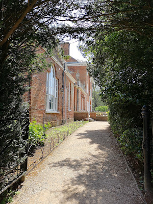 Gravel walk leading to Garden Entrance, Hatchlands  © R Knowles (2019)