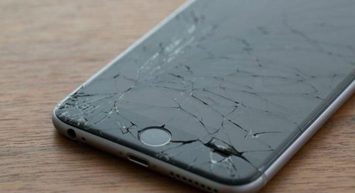Картинки по запросу Что делать, если вы «помогли разбить дорогой телефон»?