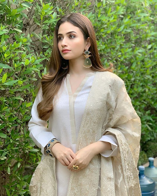 Sana Javed Photos