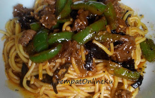 spaghetti sosis lada hitam lezat
