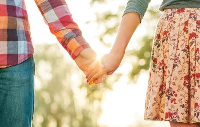 الحب الأول اليك معلومة