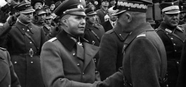 Множество историков, раненых на всю голову Риббентропом