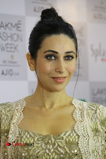 Actress Karishma Kapoor Walks For Arpita Mehta at LFW Summer 2017  0001.jpg