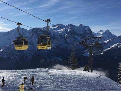 Salju di Pegunungan Swiss