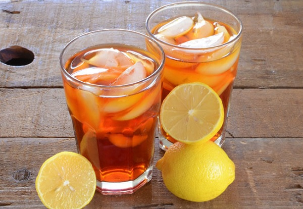Iced tea is a delicious beverage that can be prepared in many ways and with different ingredients depending on the flavors that we add, and below we offer an easy and simple way to make this Ice T at home and easily and quickly and with a wonderful taste is a change from the juices that we used to drink in the