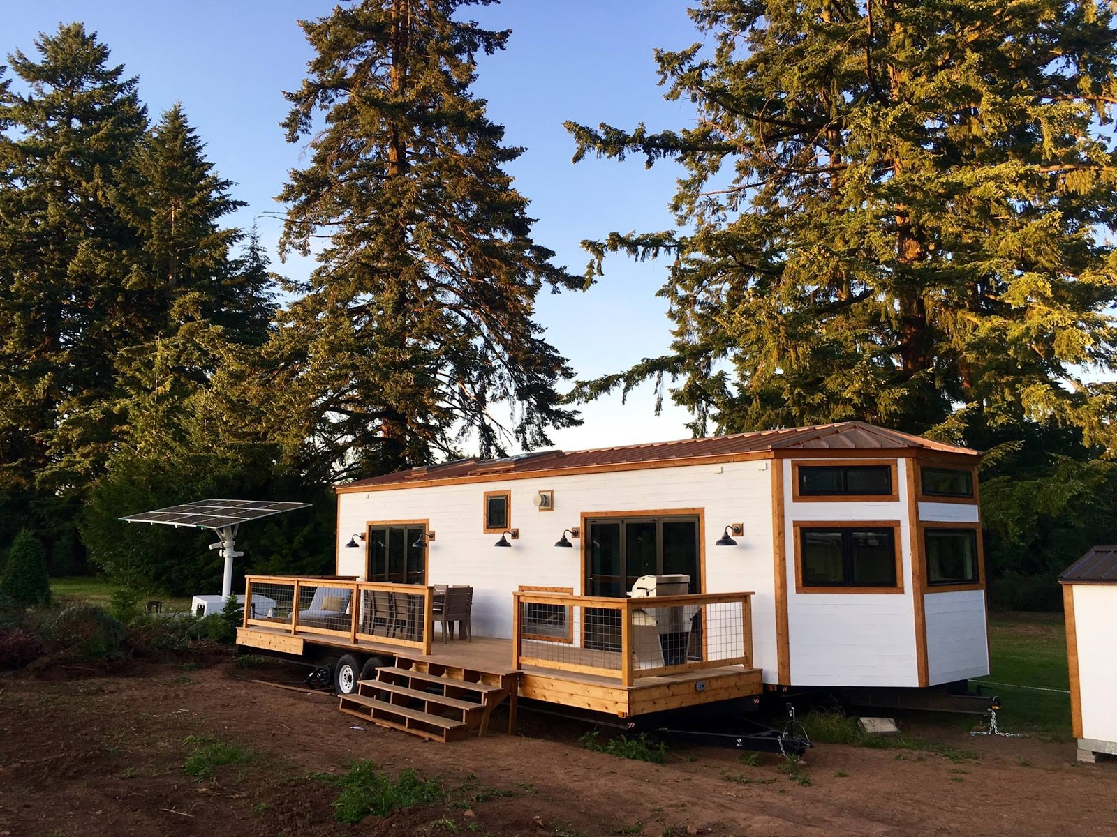 The hawaii house by tiny heirloom tiny house town for Hawaii home builders
