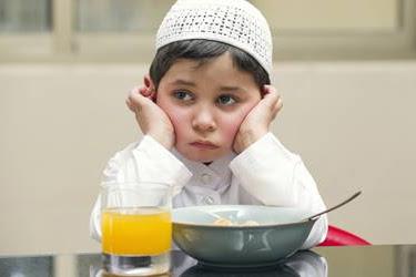 6+ Golongan Orang yang Tidak Wajib Berpuasa Ramadhan dalam Islam