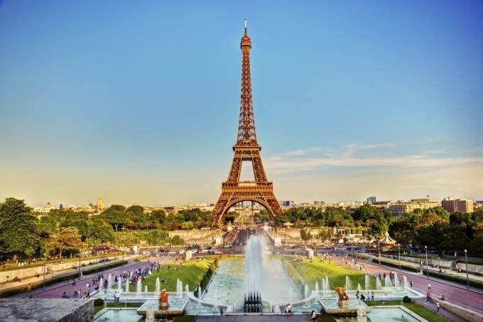 Paris mostra novos paradigmas no enfrentamento da pandemia e retomada de negócios