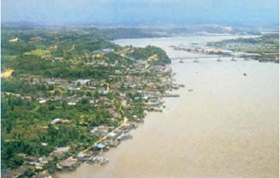 Pola pemukiman mengikuti garis pantai - berbagaireviews.com